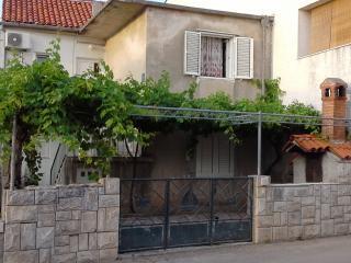 Cozy 2 bedroom Condo in Biograd with Internet Access - Biograd vacation rentals