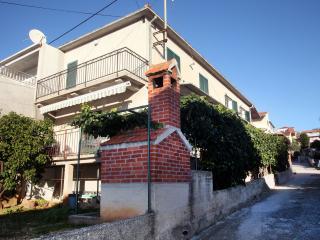 5521  A1(5+1) - Okrug Gornji - Okrug Gornji vacation rentals
