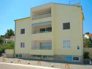 Romantic 1 bedroom Slatine Apartment with Television - Slatine vacation rentals