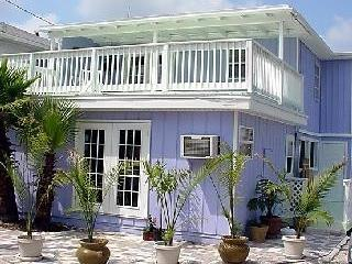 Charming cottage, steps to the beach - Madeira Beach vacation rentals