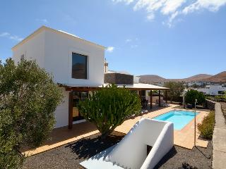 Perfect Villa with Dishwasher and Linens Provided - Yaiza vacation rentals