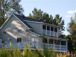 Nice Cottage with Deck and Internet Access - Kawartha Lakes vacation rentals