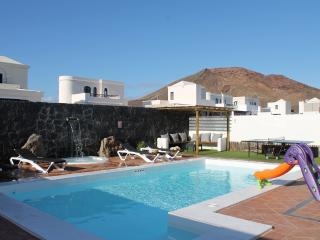Hot tub-PoolHeated-FullSKYtv-WIFI-Near FaroPark - Playa Blanca vacation rentals