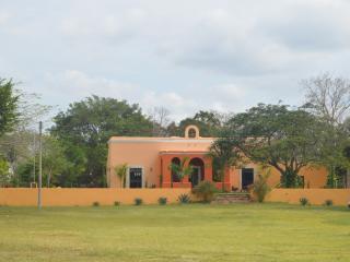 HACIENDA GETAWAY RENTAL - Merida vacation rentals