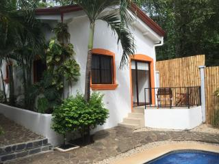 Hotel Gardenia Quiet Cottage 1BR 5min to the beach - Tamarindo vacation rentals