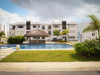 Apartment for 6, with cable and WIFI CLAVEL 4 - Playa del Carmen vacation rentals