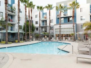 2 bedroom Apartment with Deck in Los Angeles - Los Angeles vacation rentals