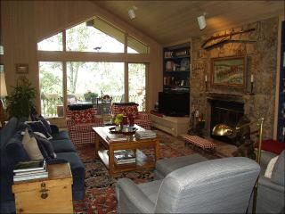 Walk 1 block to ski access - 6th bedroom mother-in-law unit optional (2295) - Snowmass Village vacation rentals