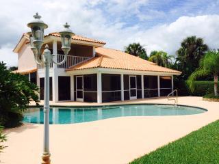 Cozy 3 bedroom Clermont Villa with Deck - Clermont vacation rentals