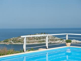 2 bedroom Villa with Internet Access in Zakynthos - Zakynthos vacation rentals