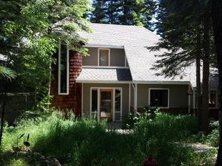 Spacious custom home on the pond and private hot tub - McCall vacation rentals