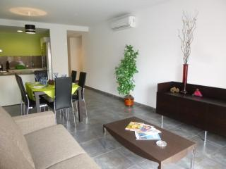 Nice 2 bedroom Condo in Empuriabrava - Empuriabrava vacation rentals