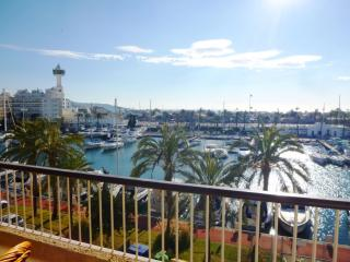 Nice 2 bedroom Empuriabrava Condo with A/C - Empuriabrava vacation rentals