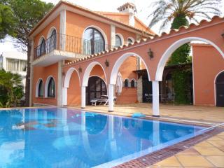 0003-REQUESENS  Casa al canal con amarre y piscina - Empuriabrava vacation rentals