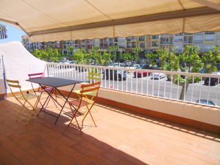 Comfortable Condo with Television and Microwave - Empuriabrava vacation rentals