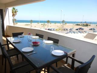 Cozy 3 bedroom Condo in Empuriabrava - Empuriabrava vacation rentals