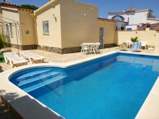 3 bedroom Villa with Television in Empuriabrava - Empuriabrava vacation rentals