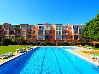 1 bedroom Apartment with Shared Outdoor Pool in Empuriabrava - Empuriabrava vacation rentals