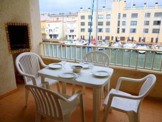 2 bedroom Condo with Stove in Empuriabrava - Empuriabrava vacation rentals
