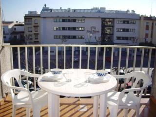 Cozy Empuriabrava House rental with Balcony - Empuriabrava vacation rentals