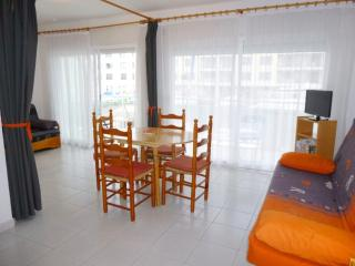 Comfortable Empuriabrava House rental with Television - Empuriabrava vacation rentals