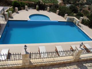 Huge Infinity Pool - Childrens Pool - Sea Views - Polis vacation rentals