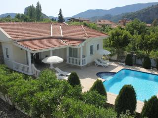 Villa Rita-Charming 2 bed bungalow Maras Area- Easy stroll into town but quiet - Dalyan vacation rentals