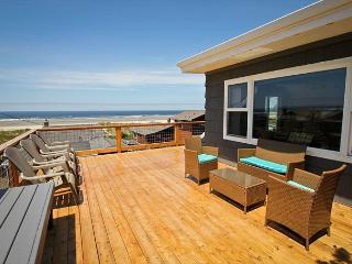 HALLIE~ MCA# 314~Across the street from the beach, Spectacular ocean views - Manzanita vacation rentals