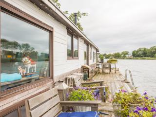 Romantic Boathouse with Deck and Television - Weesp vacation rentals
