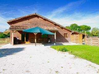 Romantic 1 bedroom Meauzac Chalet with Internet Access - Meauzac vacation rentals