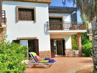 Beach front villa, pool in tourist area Larnaca, 3 - Larnaca District vacation rentals