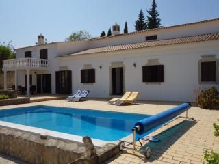 Villa Victoria - Amazing country and sea views - Boliqueime vacation rentals