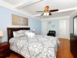 East Side 3 bed 2 bath (7) - New York City vacation rentals