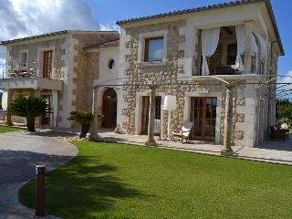 Exclusiva Finca Antonia, gran lujo - Selva vacation rentals