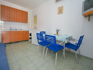 Large and beautiful space for 6 people - Novalja vacation rentals
