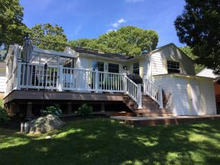 Swanky Cottage So Close to Misquamicut Beach - Westerly vacation rentals