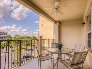 This 3-bed/2-bath condo is within walking distance from the Convention Center - Orlando vacation rentals