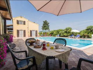 Il Grande Gelso Casa vacanze  Villa esclusiva - Recanati vacation rentals