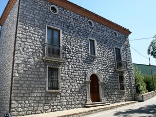 DIMORA VILLA RITA Villa con pietra con piscina - Acquavena vacation rentals