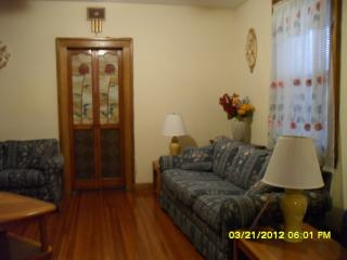 3 bdrm Furnished Apt 1st floor on Staten Island - Staten Island vacation rentals