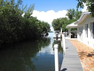 Waterfront Key Largo Bayside Cottage Paradise - Key Largo vacation rentals