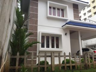 Three bedroom villa, ac, pool, security, park, - Greater Kochi vacation rentals
