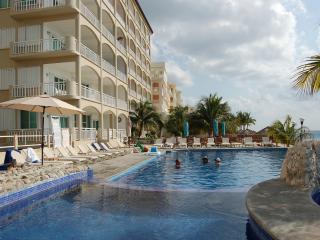 Vanilla Penthouse PHDN-2 El Cantil Condos 1 Bedroom - Cozumel vacation rentals