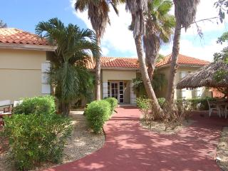SUMMER SPECIAL - Stay in July and receive Huge discount - Palm/Eagle Beach vacation rentals