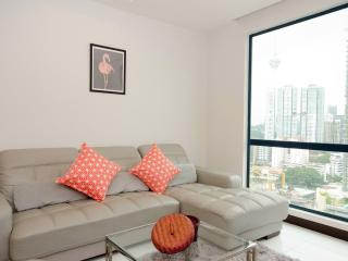 HOMELY 2-BEDROOM CONDO FOR 4 PAX NEAR  B.BINTANG - Kuala Lumpur vacation rentals