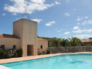 Cozy 2 bedroom Saint-Cyprien-Plage House with Shared Outdoor Pool - Saint-Cyprien-Plage vacation rentals