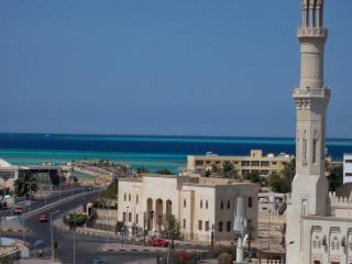 Attico con stupenda vista mare - Hurghada vacation rentals
