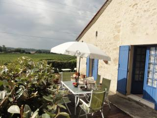 Nice Gite with Deck and Internet Access - Saint-Meard-de-Gurcon vacation rentals