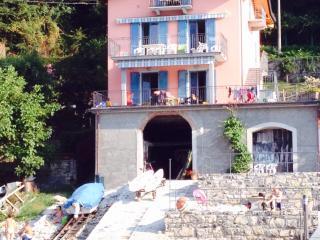 Appartamento Mary - Lezzeno vacation rentals