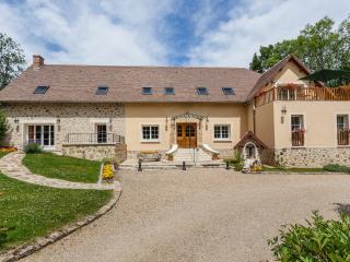 La Gueule Aux Loups - Bed and Breakfast - Saint-Ouen-sur-Morin vacation rentals